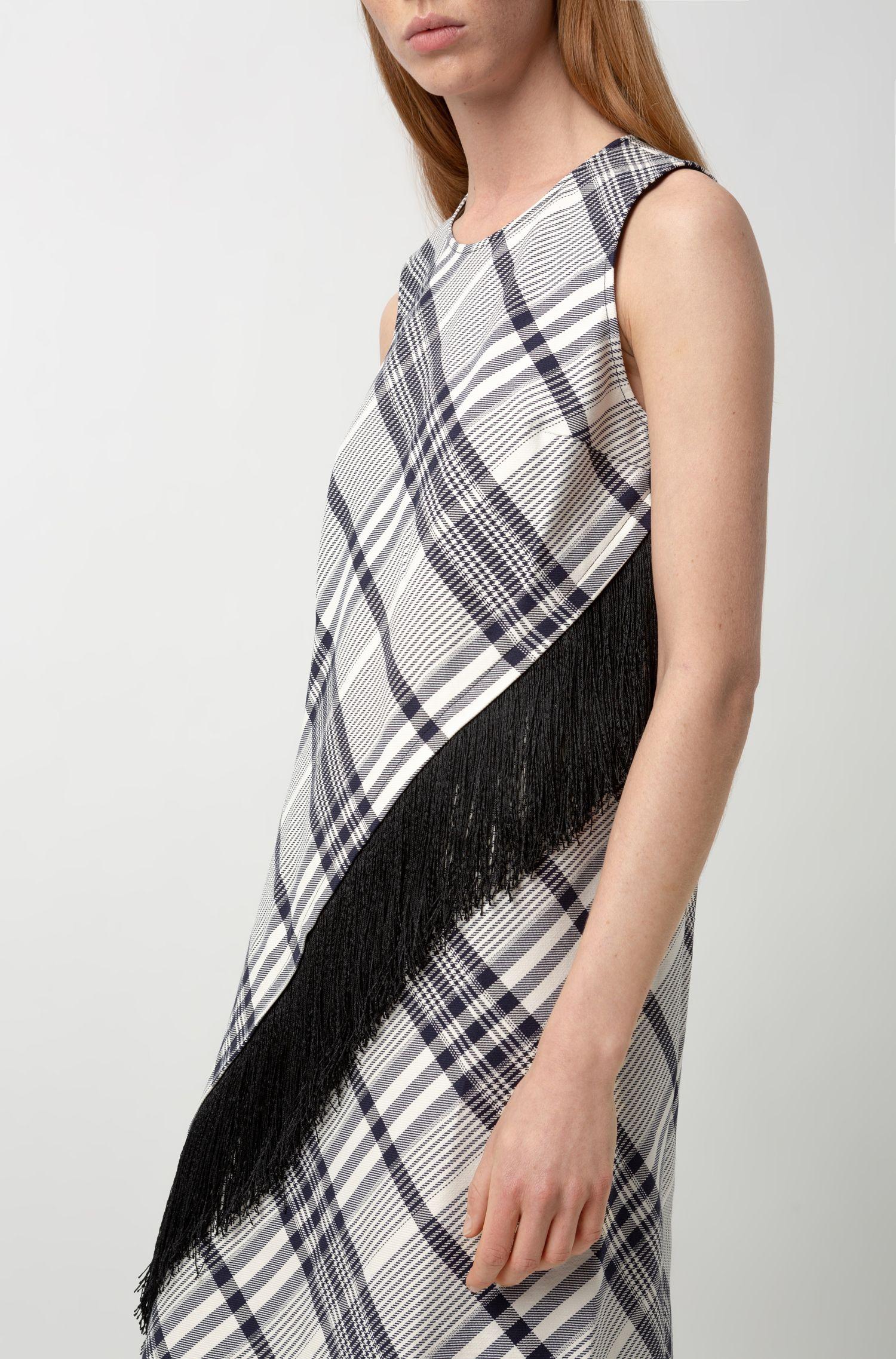 Robe en coton à carreaux avec franges et base asymétrique, Fantaisie