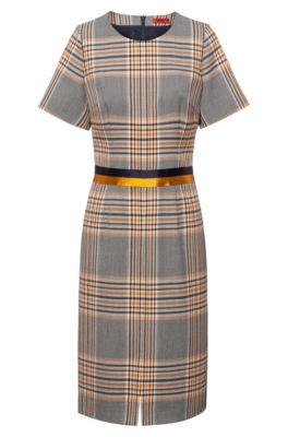 Kariertes Kurzarm-Kleid mit zweifarbigem Tape an der Taille, Gemustert