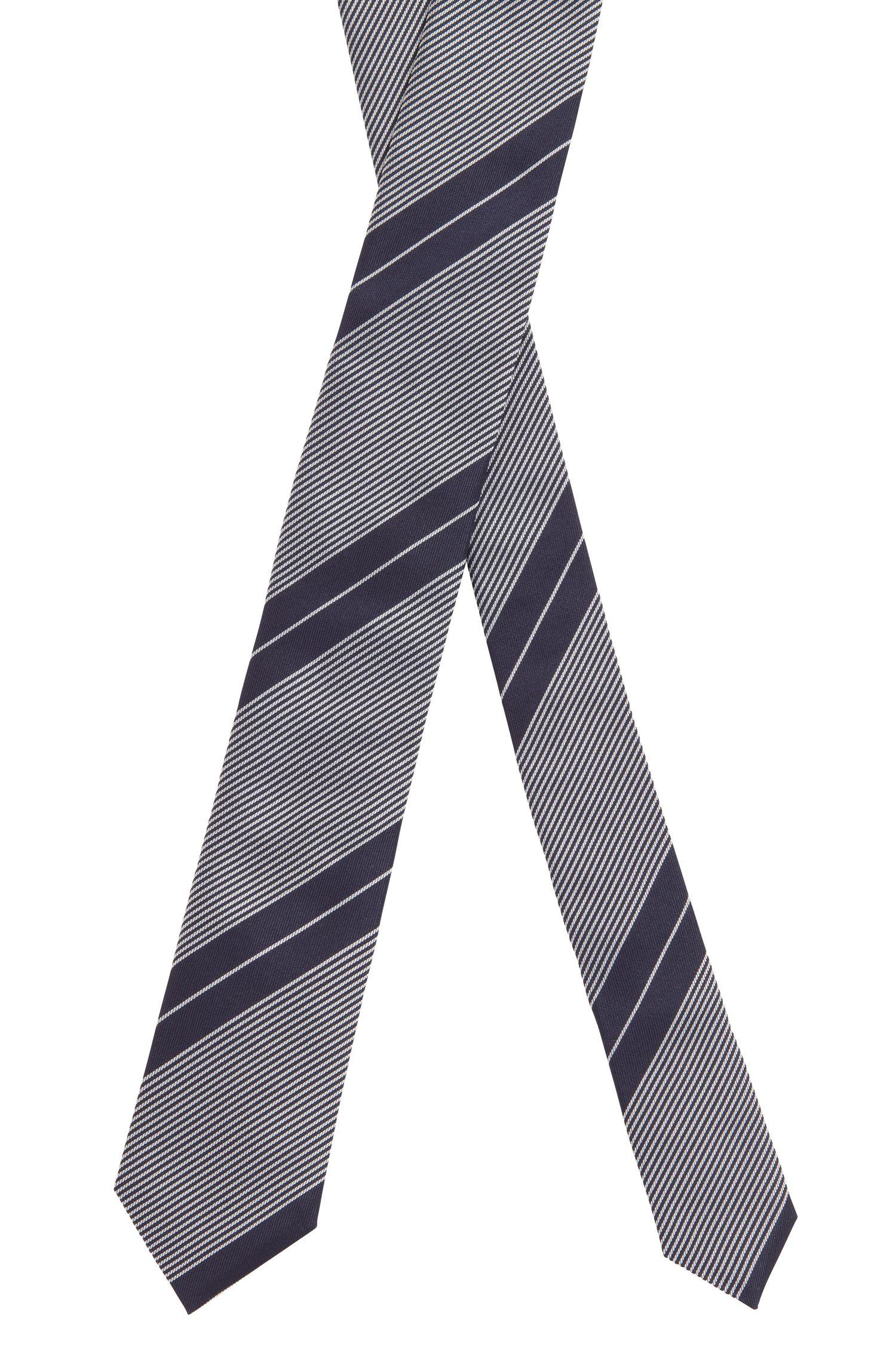 Handgefertigte Krawatte aus reiner Seide mit diagonalen Streifen, Dunkelblau