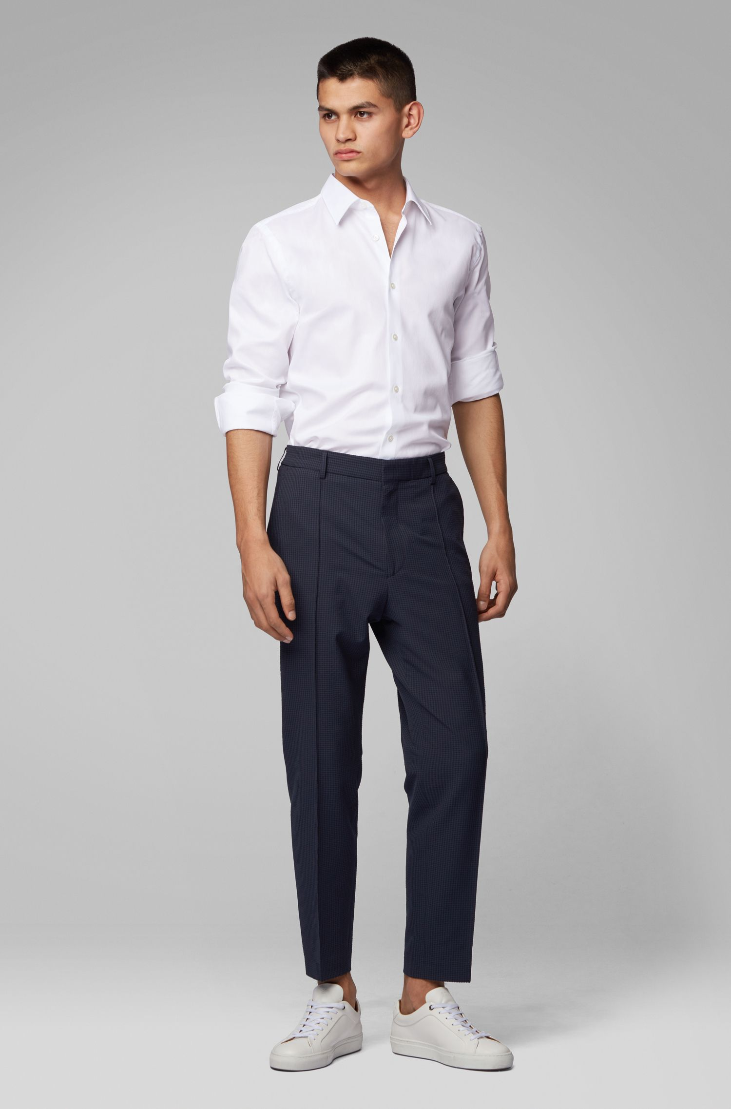 Cropped relaxed-fit trousers in checked seersucker, Dark Blue