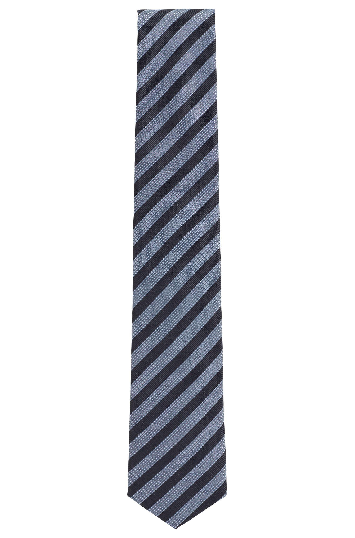 In Italien gefertigte Krawatte aus wasserabweisender Seide mit Streifen-Muster, Hellblau