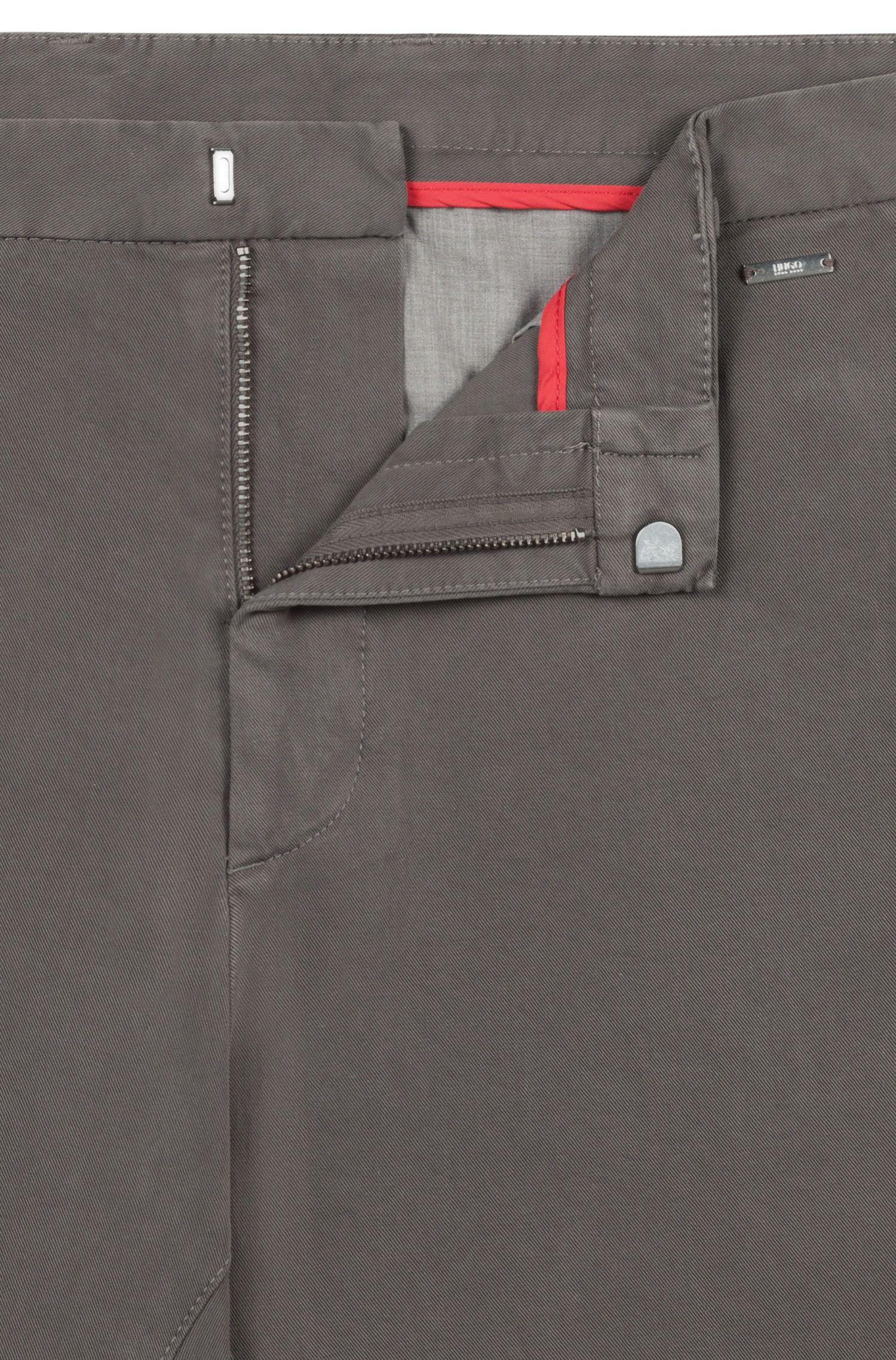 Pantaloni slim fit in twill di cotone elasticizzato sovratinto, Marrone