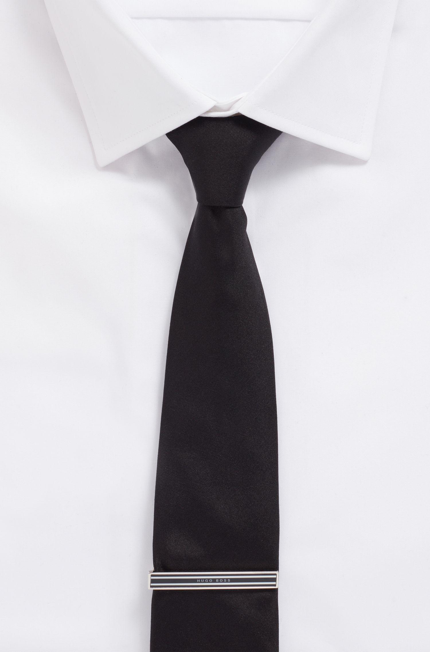 Handgepolijste dasspeld in een ontwerp met gestreept email, Zwart