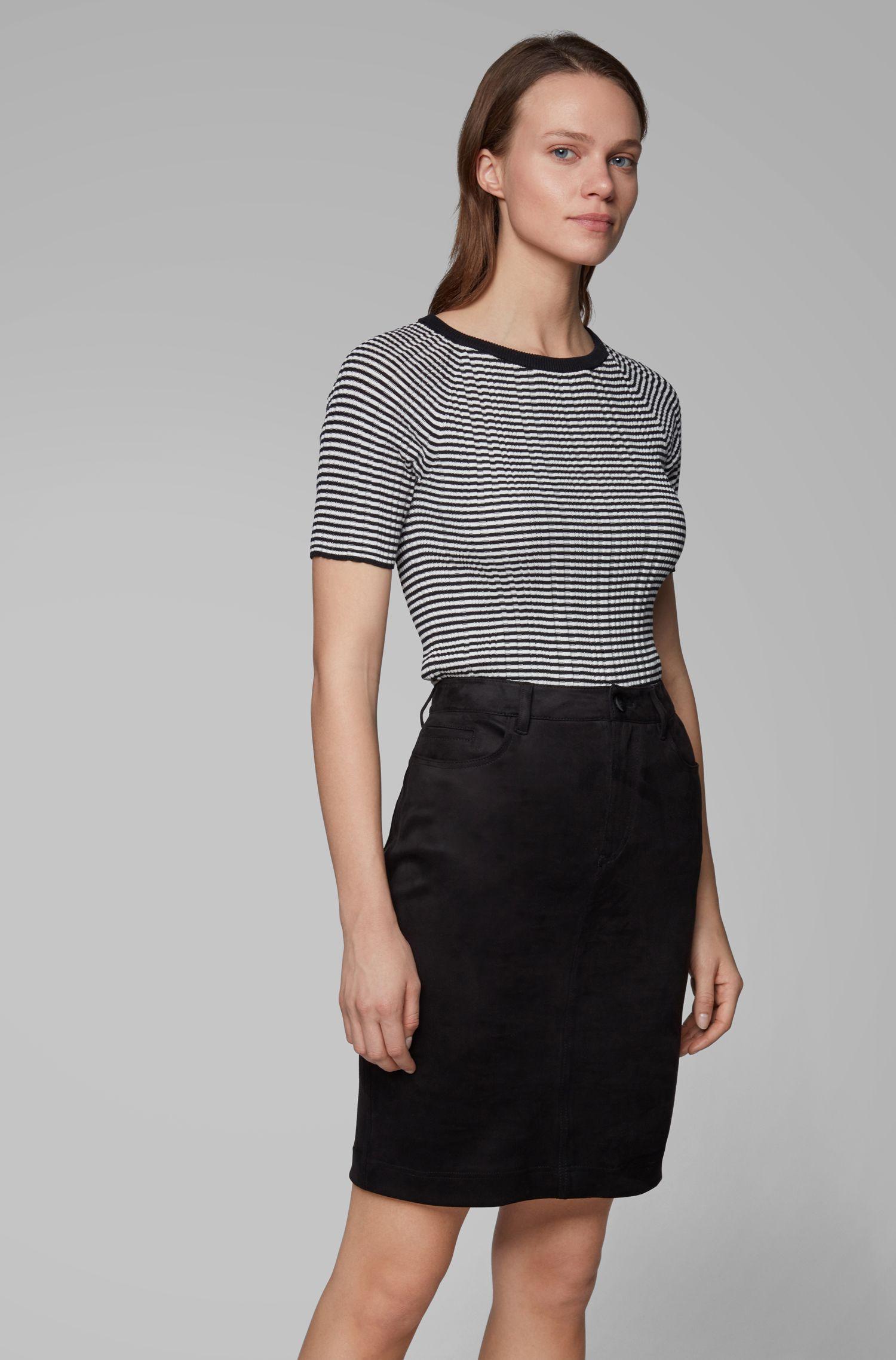 Top en maille à manches courtes en coton à rayures, avec de la soie, Noir