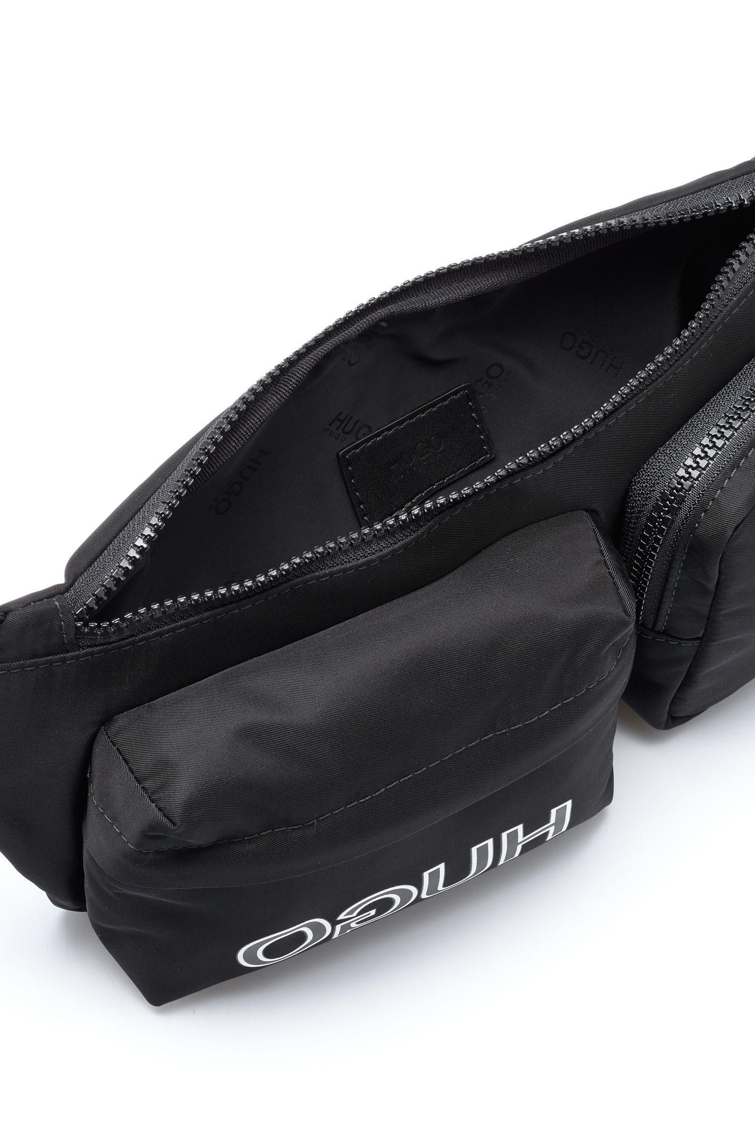 Riñonera ajustable en tejido de gabardina de nylon con logo invertido, Negro