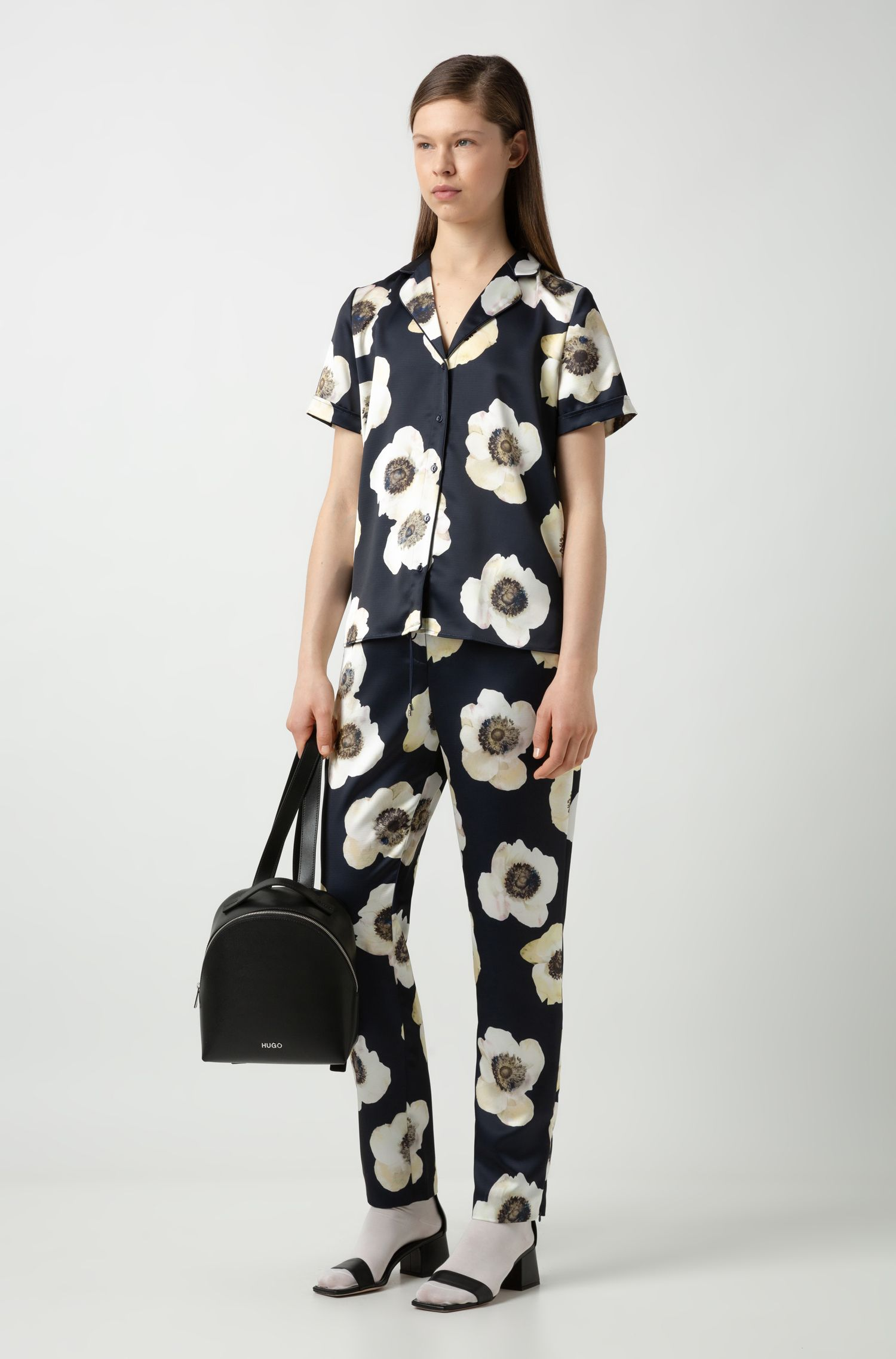 Drawstring trousers in hammered fabric with anemone print, Patterned