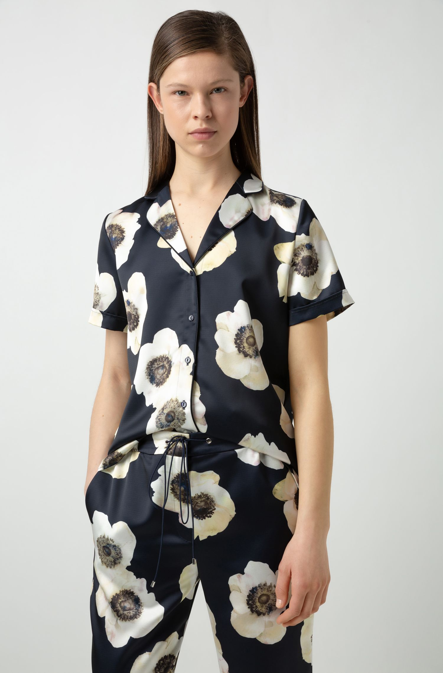 Chemisier style pyjama à manches courtes, avec imprimé anémone, Fantaisie