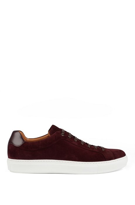 Sneakers aus italienischem Veloursleder mit cognacfarbenem Innenfutter aus Leder, Dunkelrot