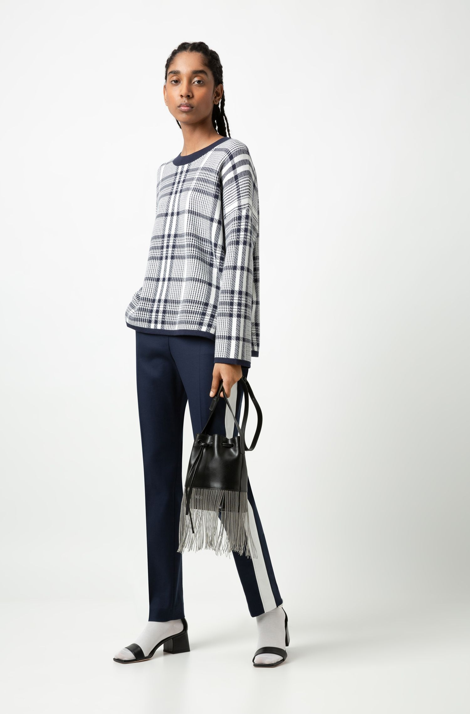 Regular-Fit Hose aus Stretch-Gabardine mit hohem Bund und kontrastfarbenem Streifen, Blau