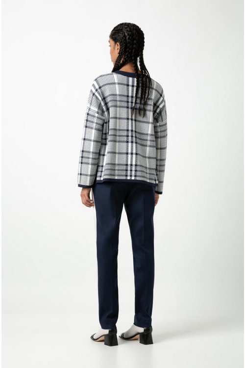 Hugo Boss - Pantalones de talle alto en tejido de gabardina elástico con raya en contraste - 3