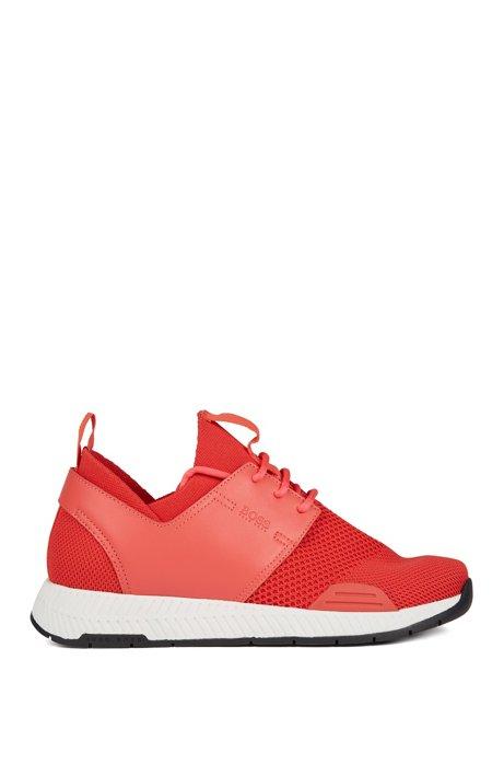 Baskets mixtes en maille stretch à empiècements en cuir, Rouge