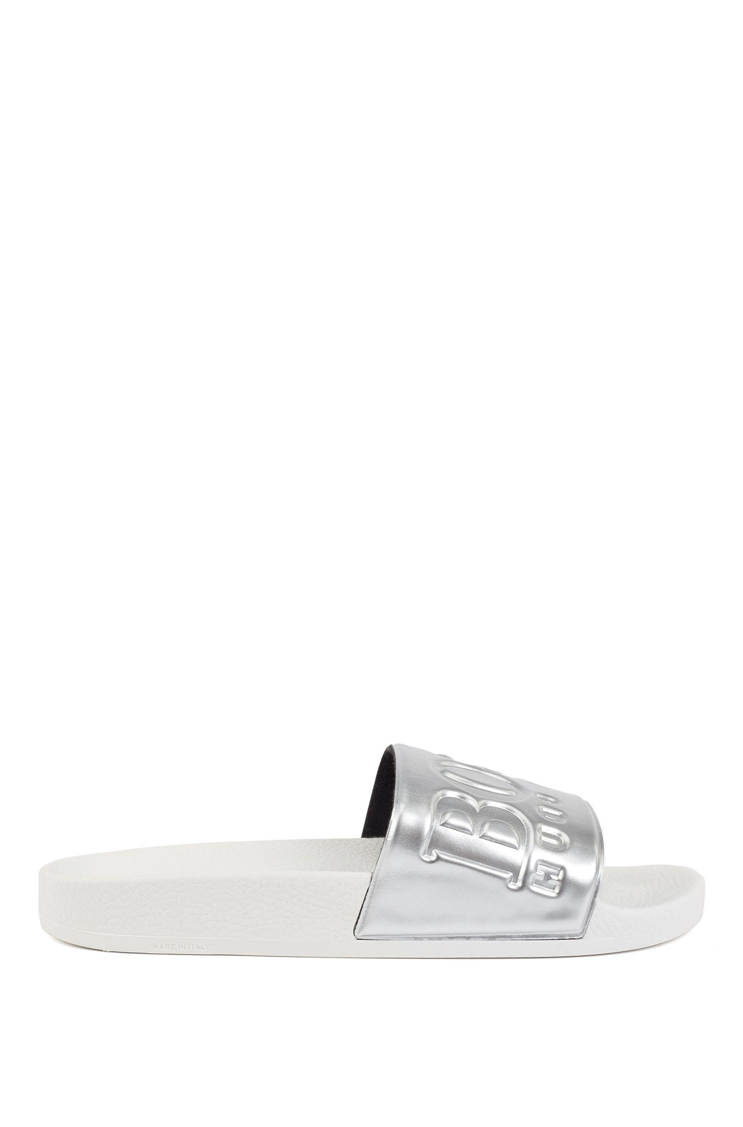 Sandali slider con logo e cinturino metallizzato, Argento