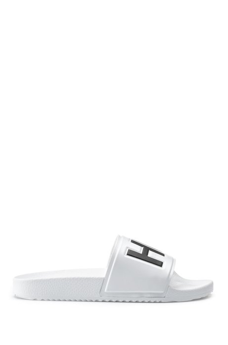 Contrast logo slides with contoured footbed, White