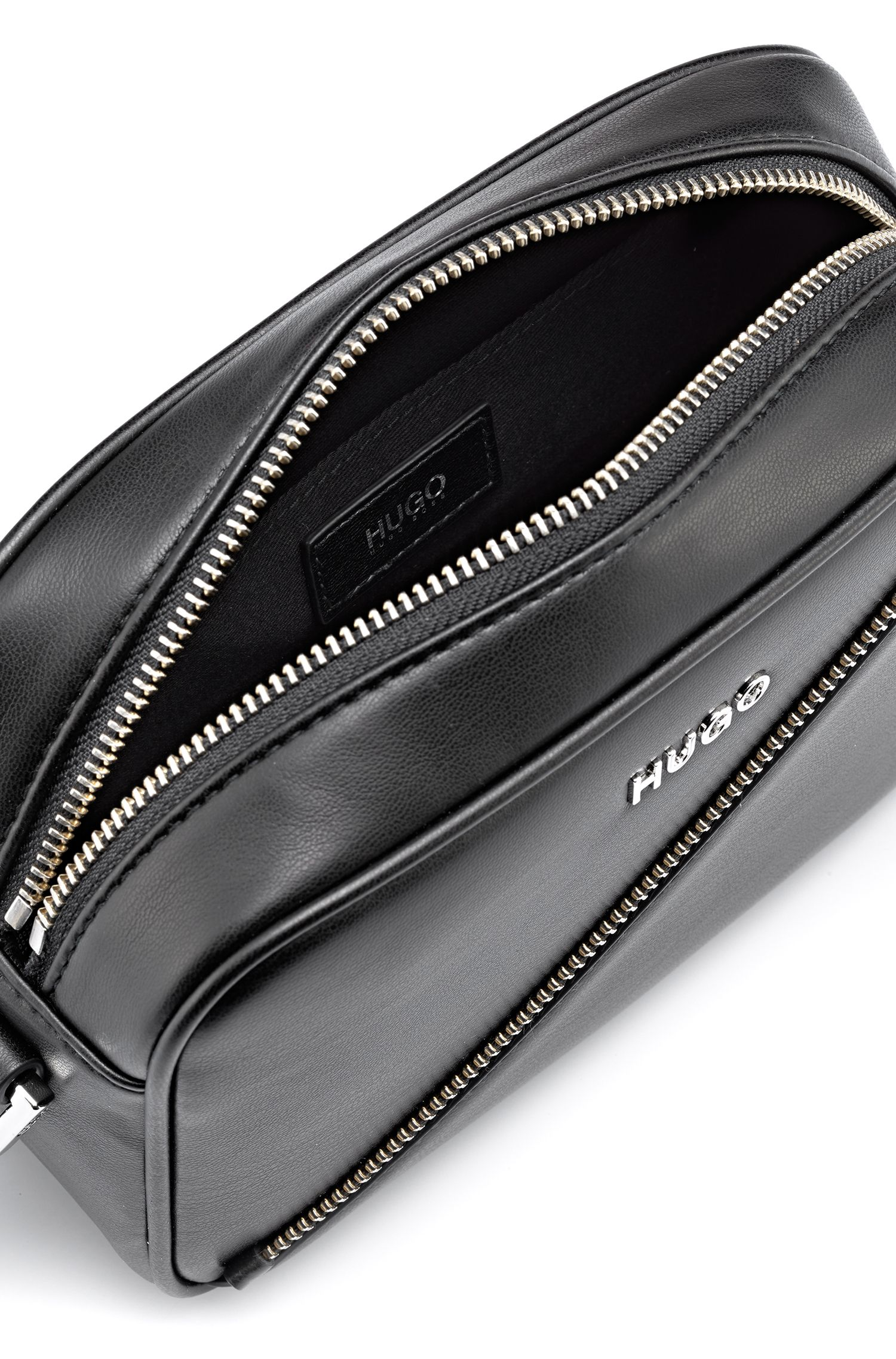 Faux-leather crossbody bag with zip detail, Zwart