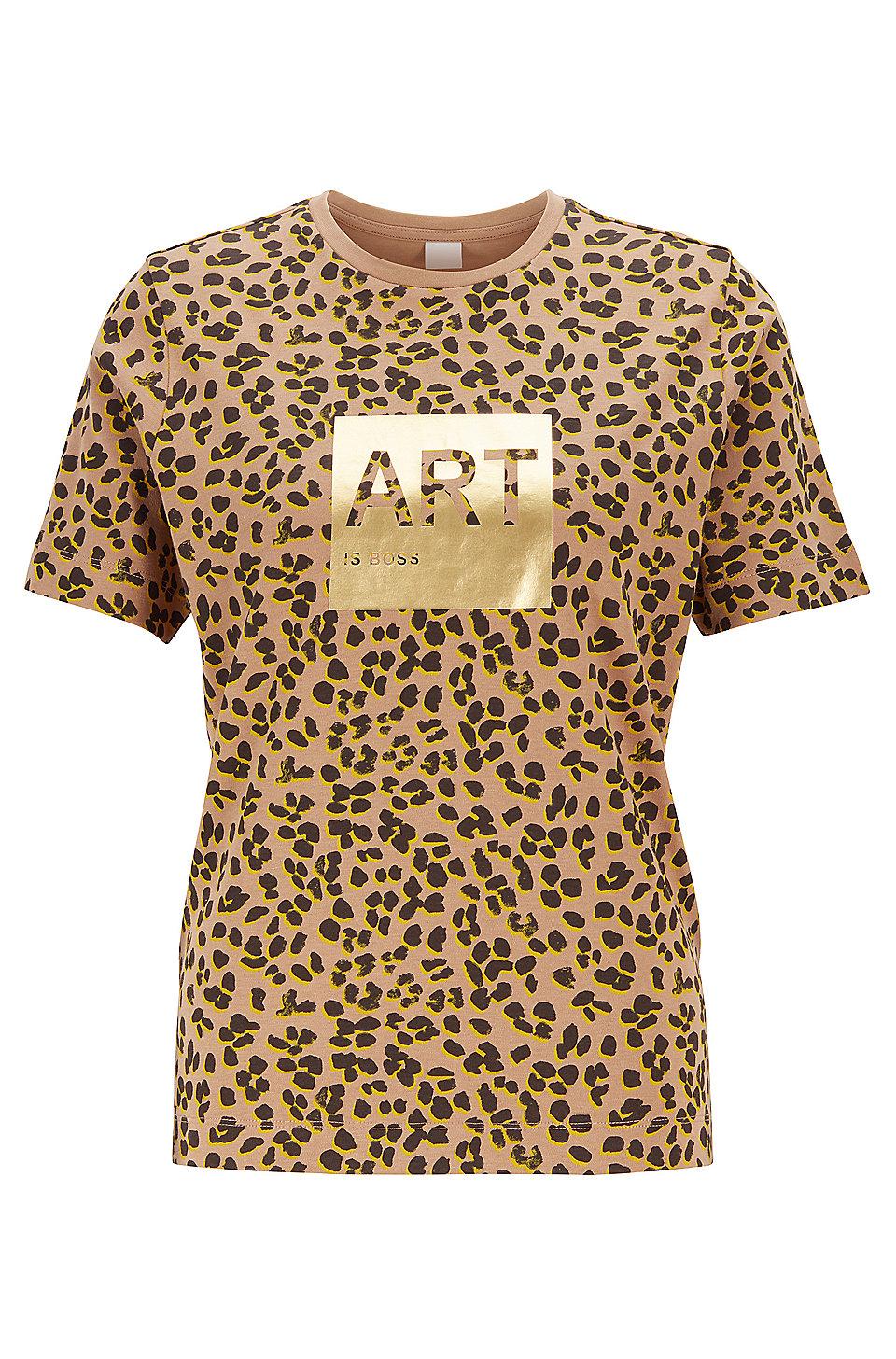BOSS T Shirt aus Supima Baumwolle mit Leoparden Print und Folien Artwork