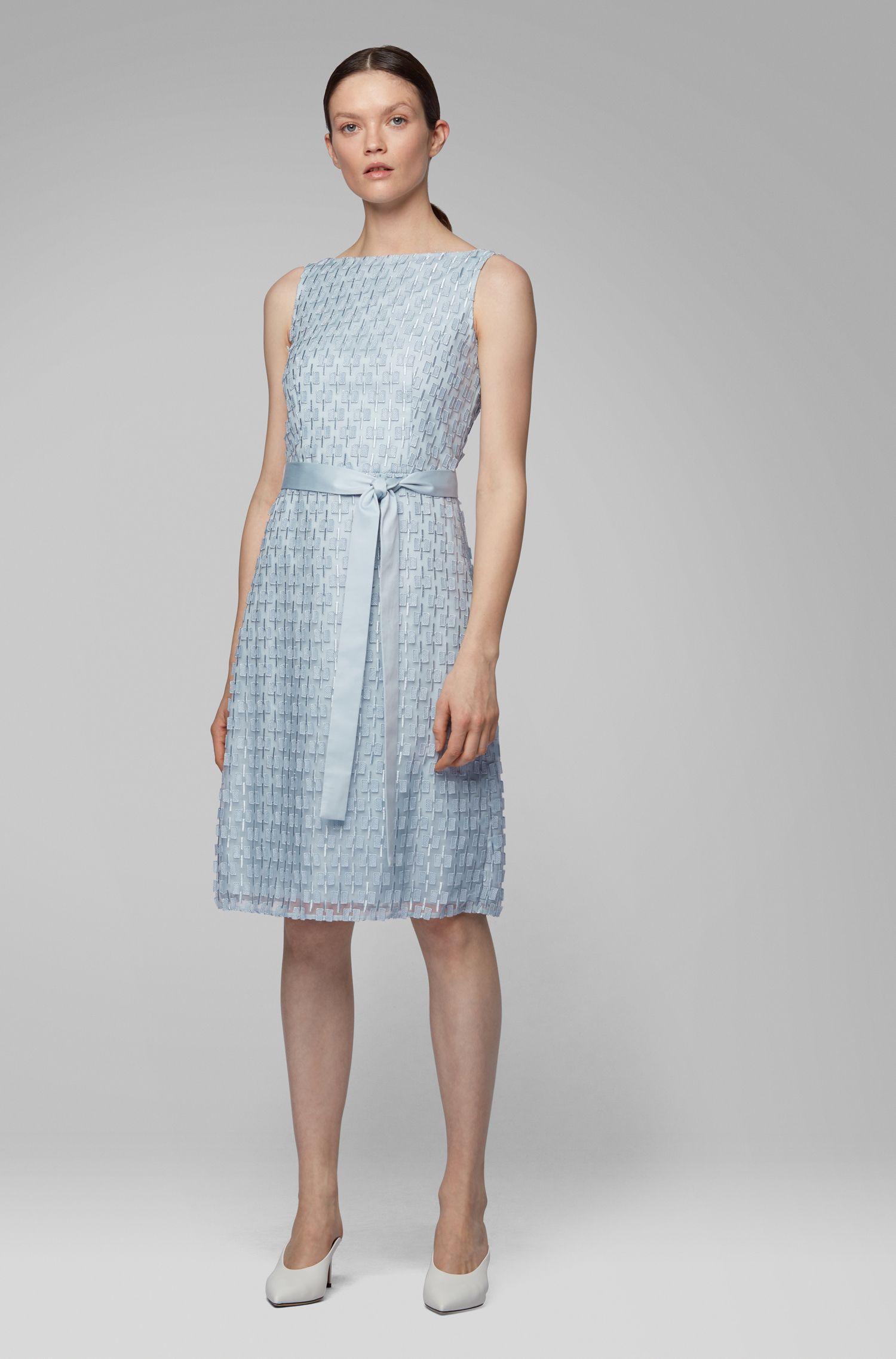 Regular-fit jurk van geborduurd kant met strikceintuur, Lichtblauw