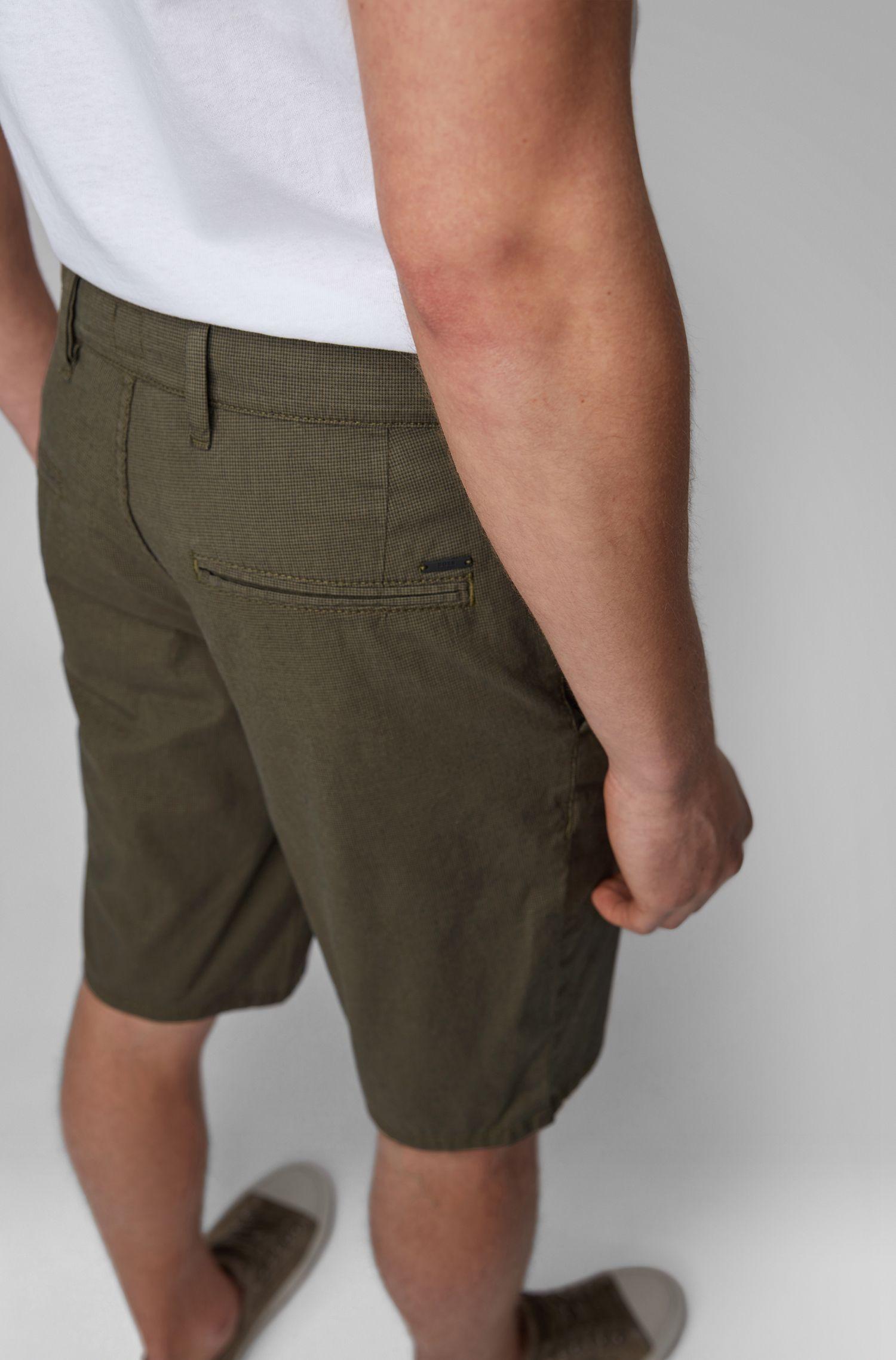 Slim-Fit Chino-Shorts aus überfärbter Stretch-Baumwolle, Dunkelgrün