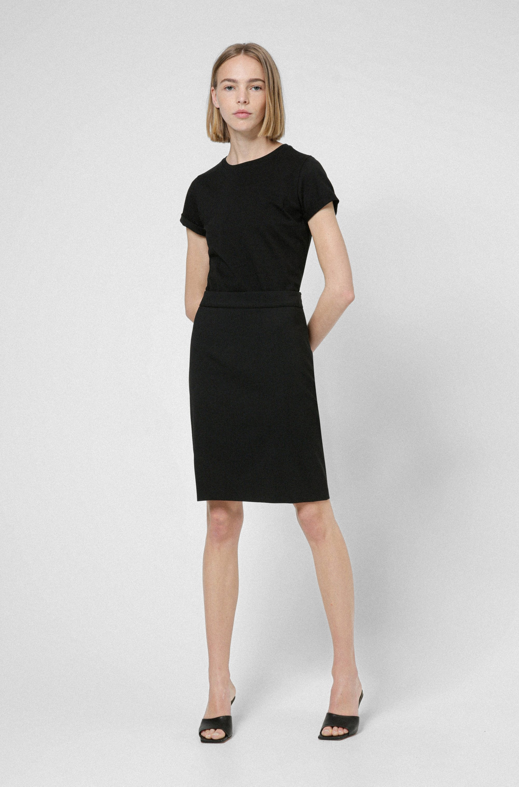 High-waisted pencil skirt in worsted stretch virgin wool