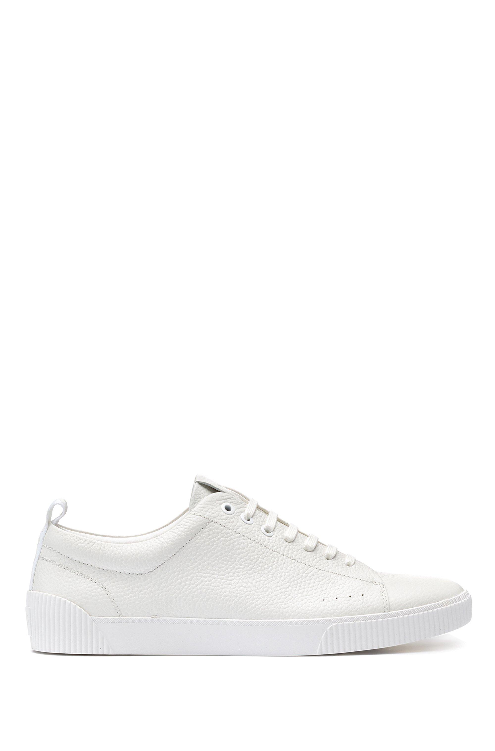 Sneakers aus genarbtem Leder im Tennis-Stil mit Logo-Tape aus Jacquard, Weiß