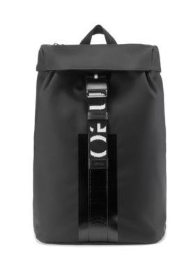 bas prix sélection mondiale de meilleure vente Sac à dos en similicuir mat avec finitions à logo inversé