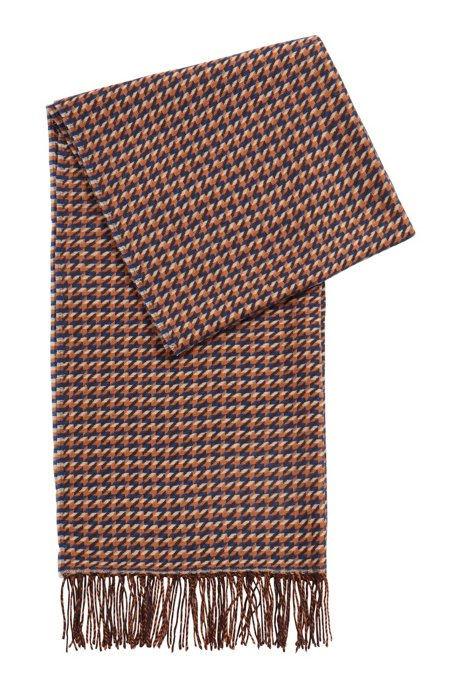 Graphic pattern scarf in virgin wool, Patterned