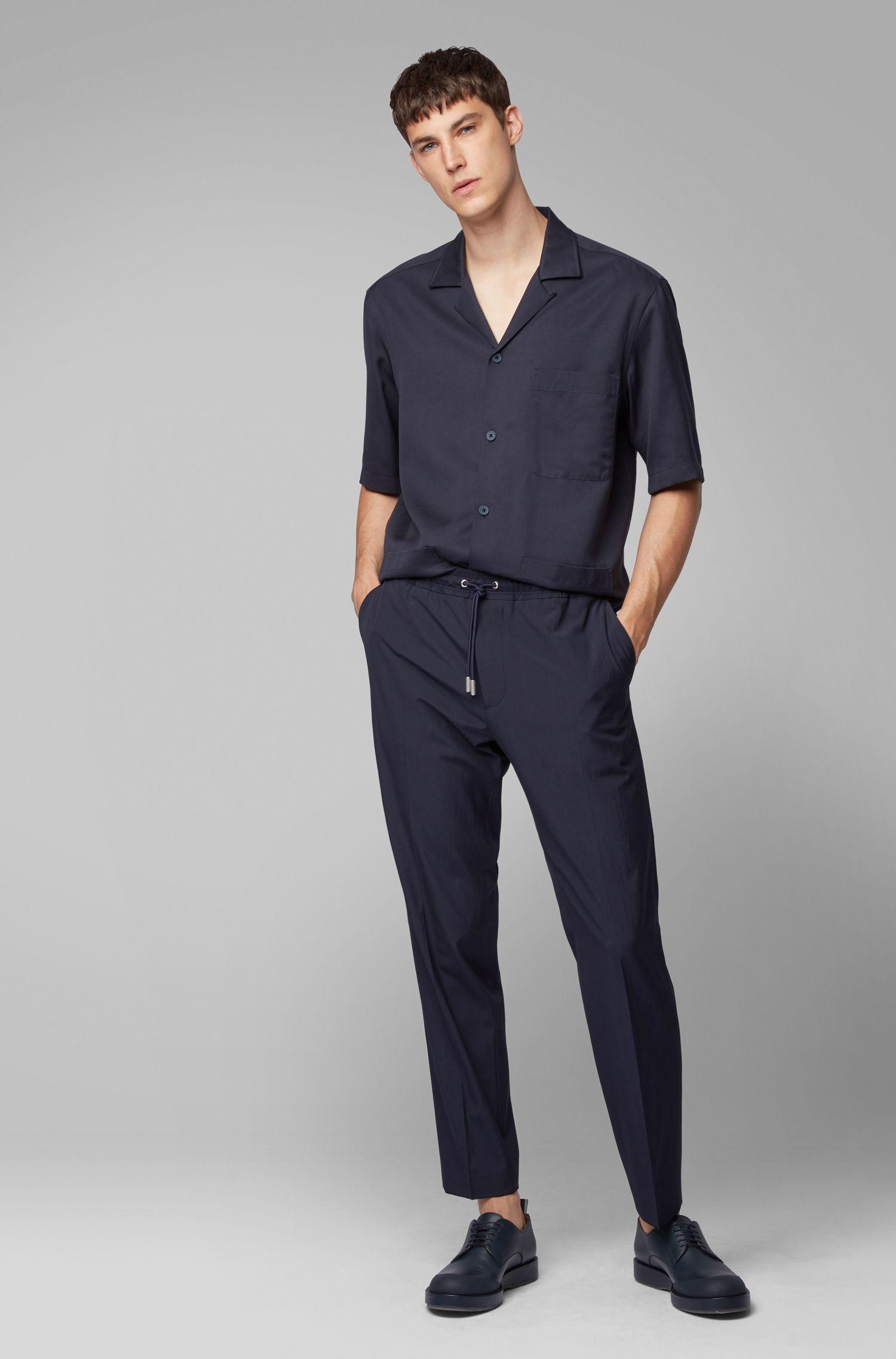 Fashion Show Relaxed-Fit Kurzarm-Hemd aus Twill mit drei aufgesetzten Taschen, Dunkelblau