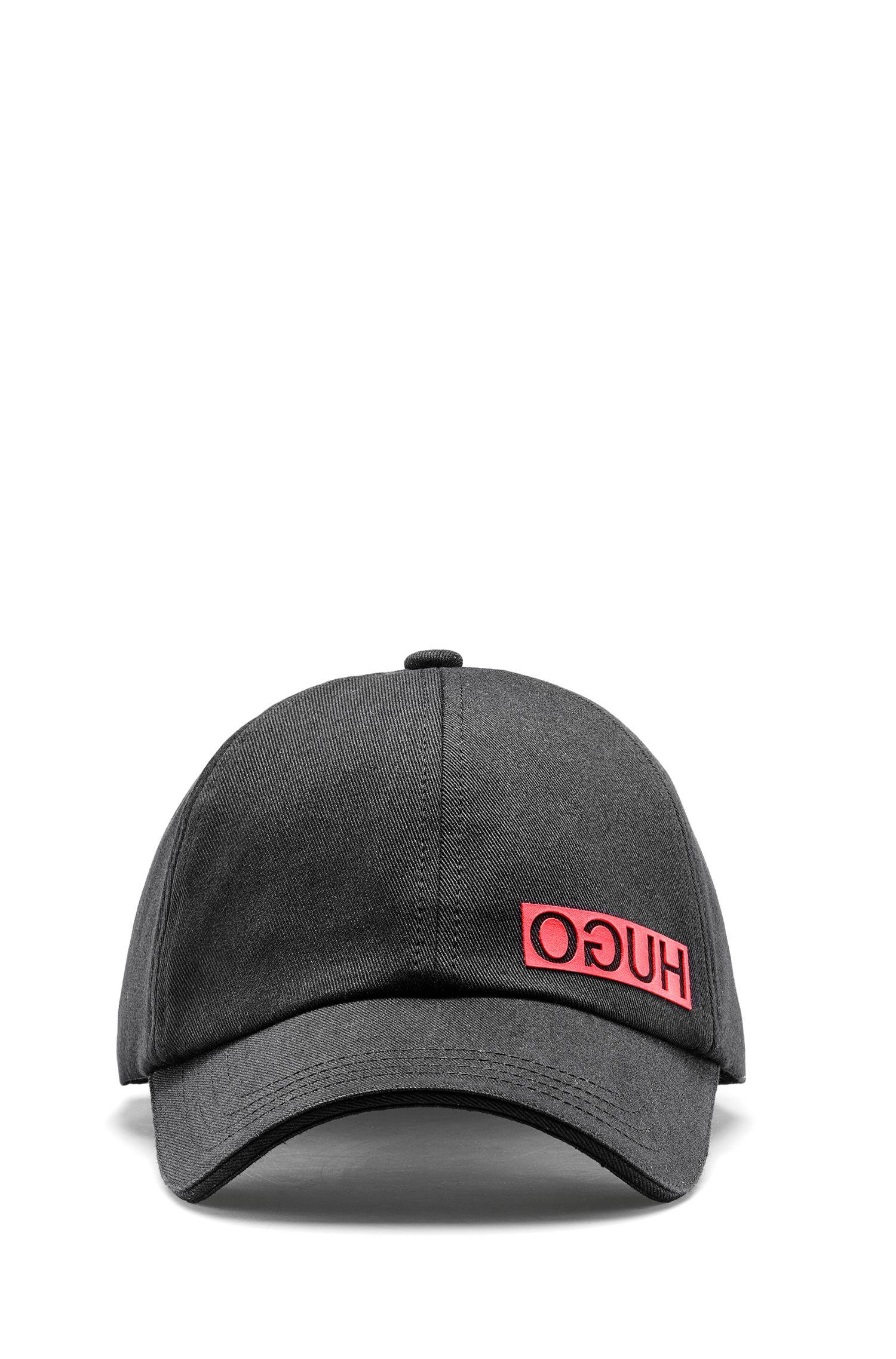 Pet in een gabardine van katoen met gespiegeld logo, Zwart