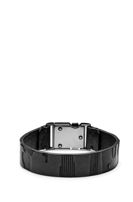Leather cuff with camouflage embossing and metal closure, Black