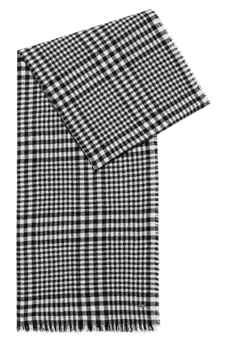Checked scarf in a virgin-wool blend, Patterned