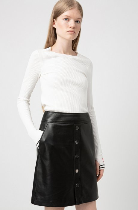A-line skirt in leather with buttoned front, Black