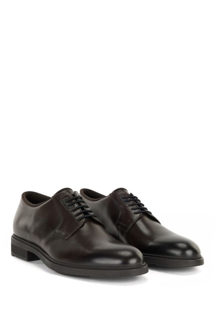 Italian-made leather Derby shoes with Outlast® lining