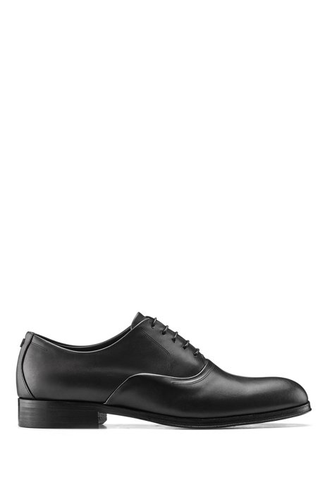 Oxford shoes in burnished leather with hardware detail, Black