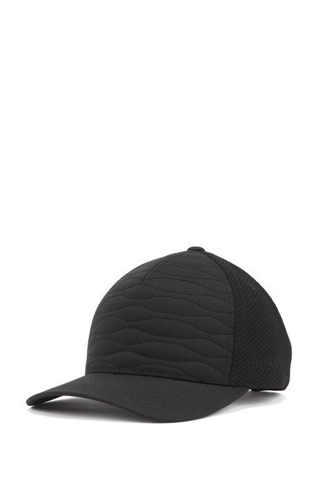 Gorra con efecto guateado, paneles de malla y logo bordado, Negro