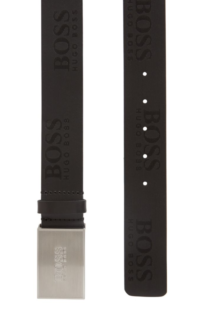 Plate-buckle belt in structured leather with logo details