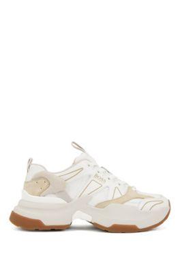 Unisex-Sneakers im Laufschuh-Stil aus Material-Mix mit Oversize-Sohle, Weiß
