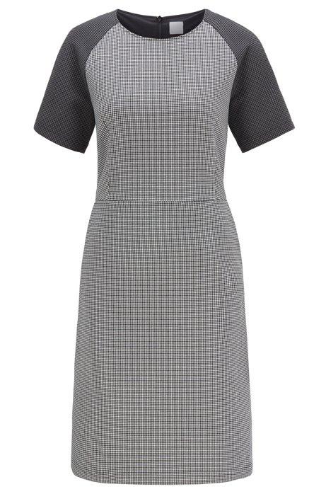 Kleid mit Hahnentritt-Muster, Seitentaschen und kurzen Ärmeln , Gemustert