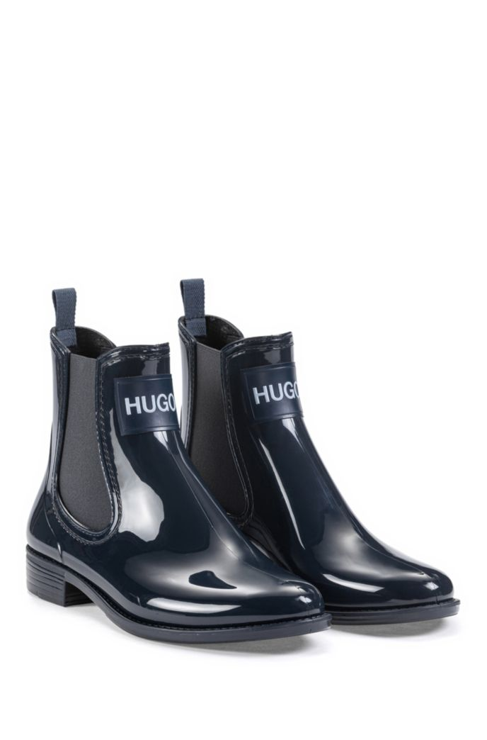 Rain booties in glossy rubber