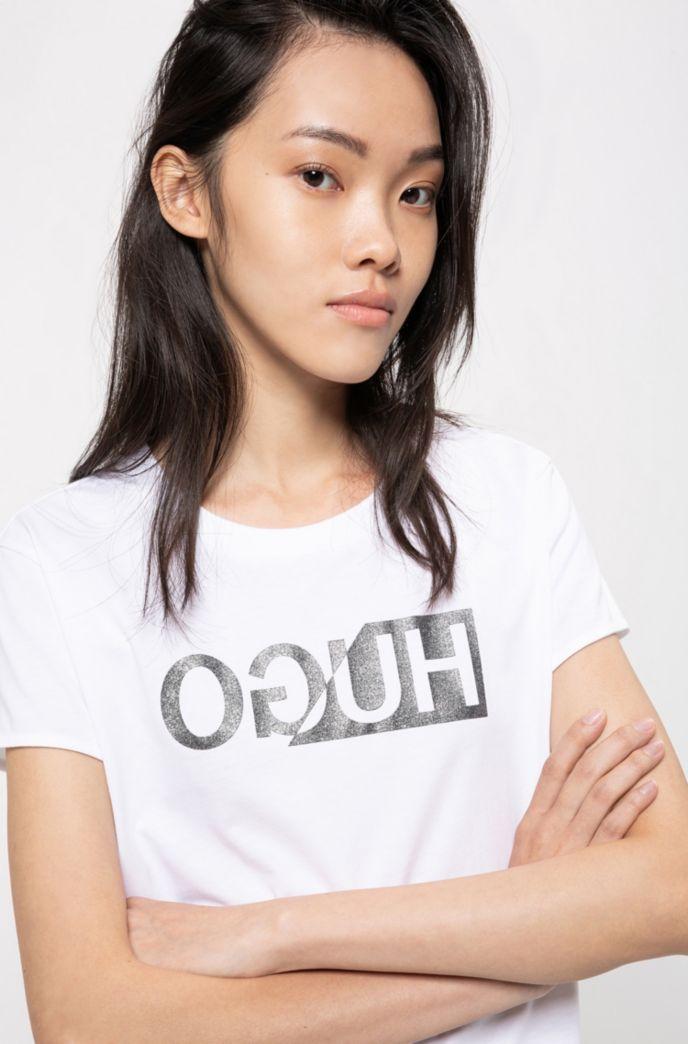 T-shirt slim fit con logo reversed stampato glitterato