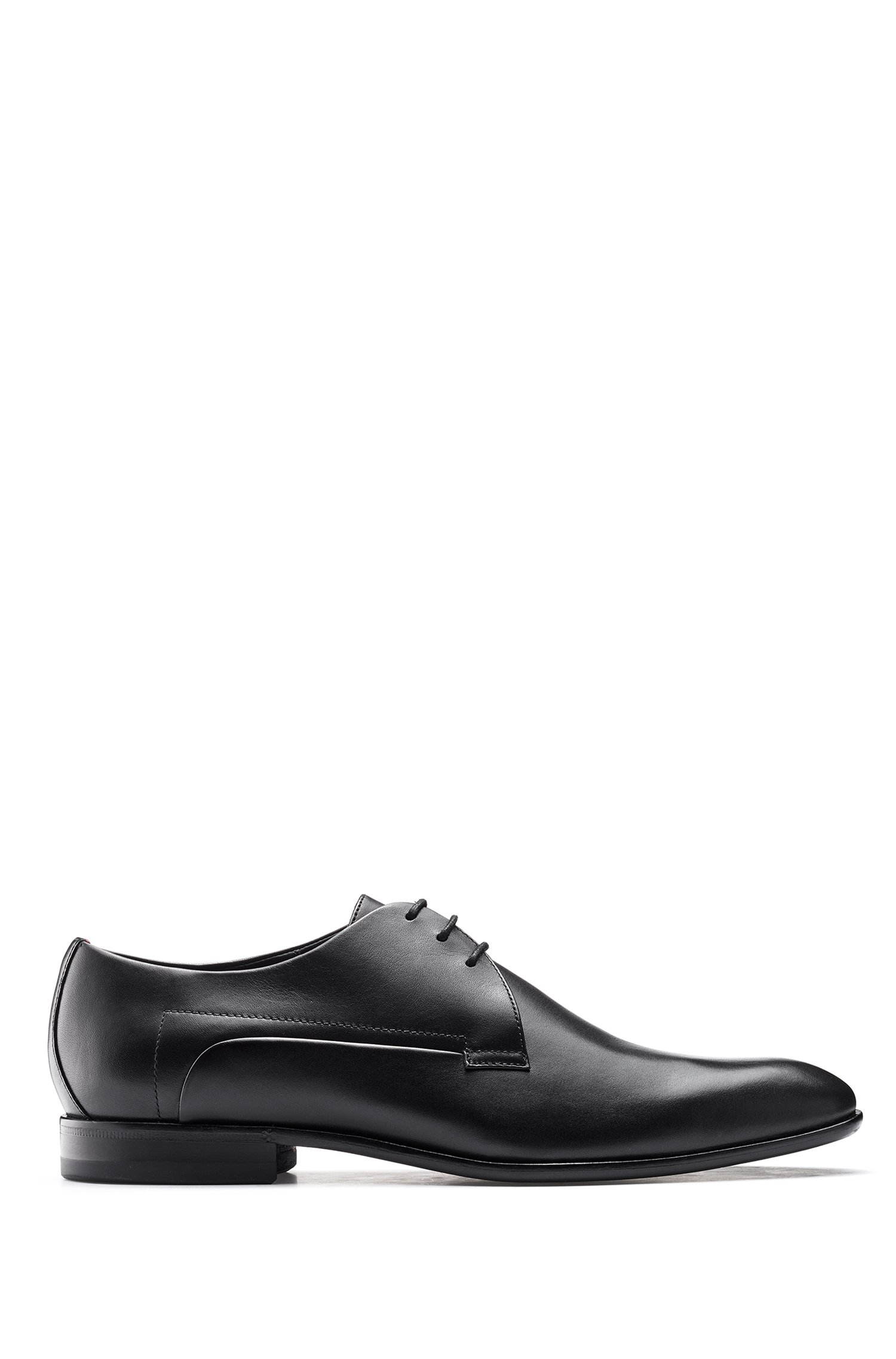 Derbyschoenen van glad leer met zool met geïnjecteerd rubber, Zwart