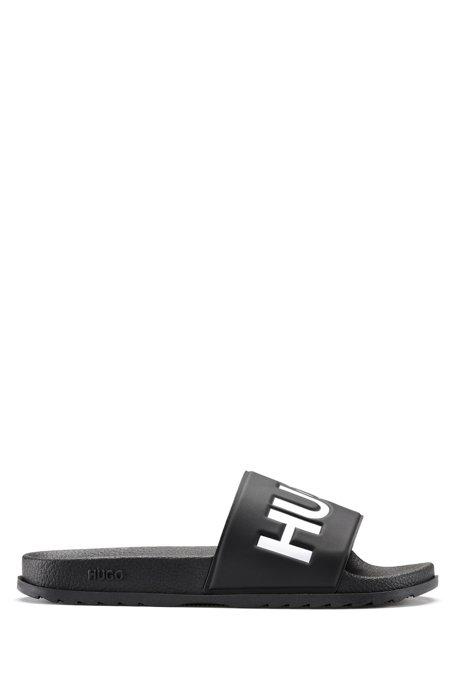 In Italië vervaardigde slippers met contrastlogo, Zwart