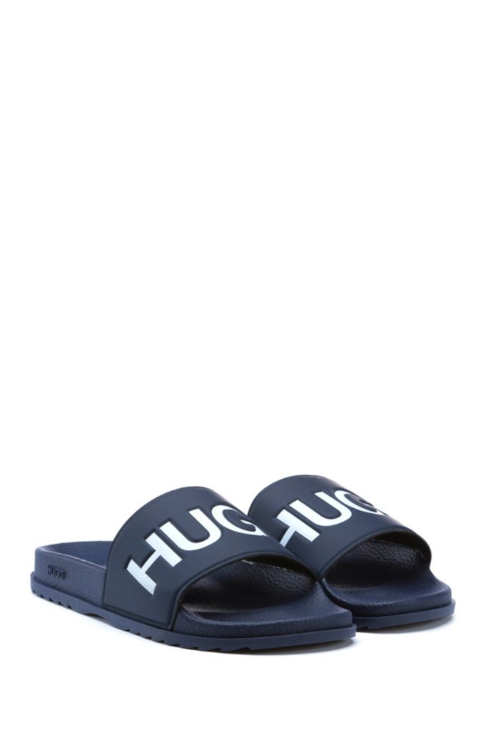 Italian-made slides with contrast logo