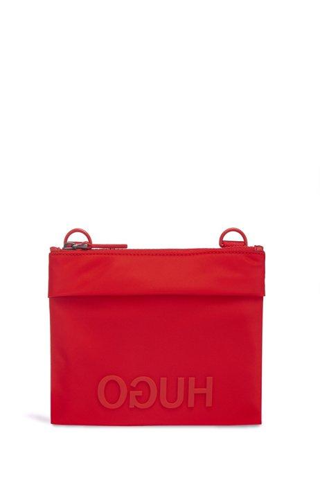 Enveloptas in een gabardine van een technisch materiaal met contrastlogo, Rood