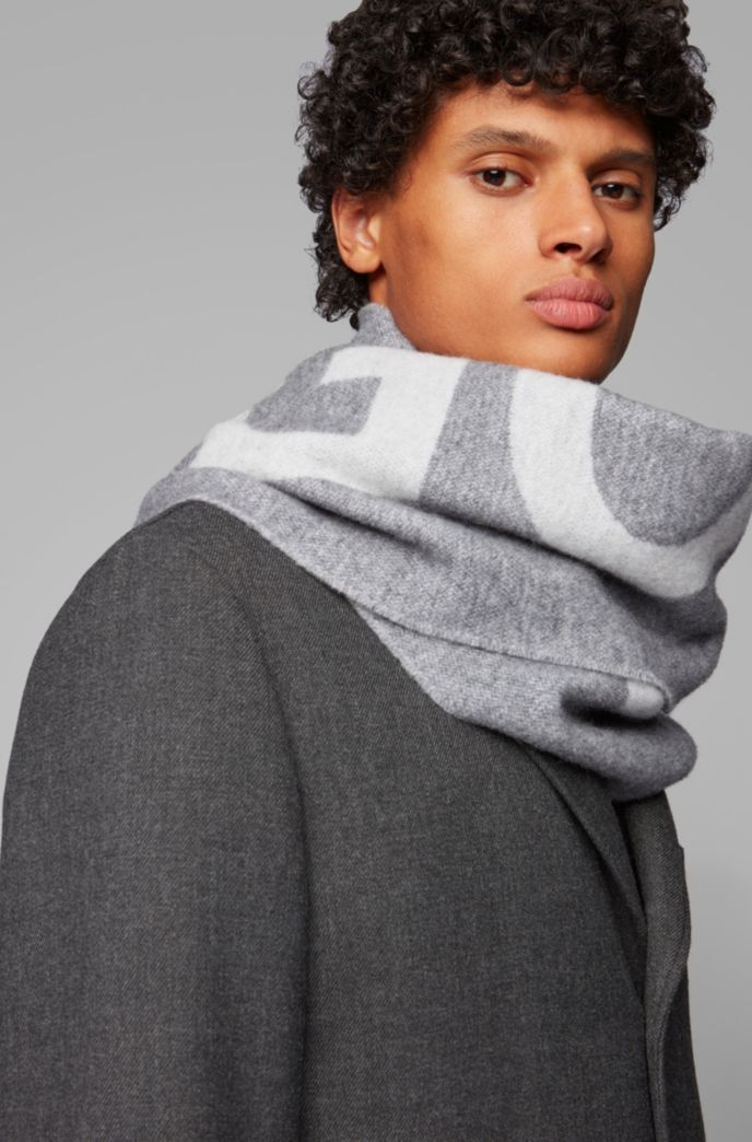 Logo-jacquard scarf in a brushed wool blend