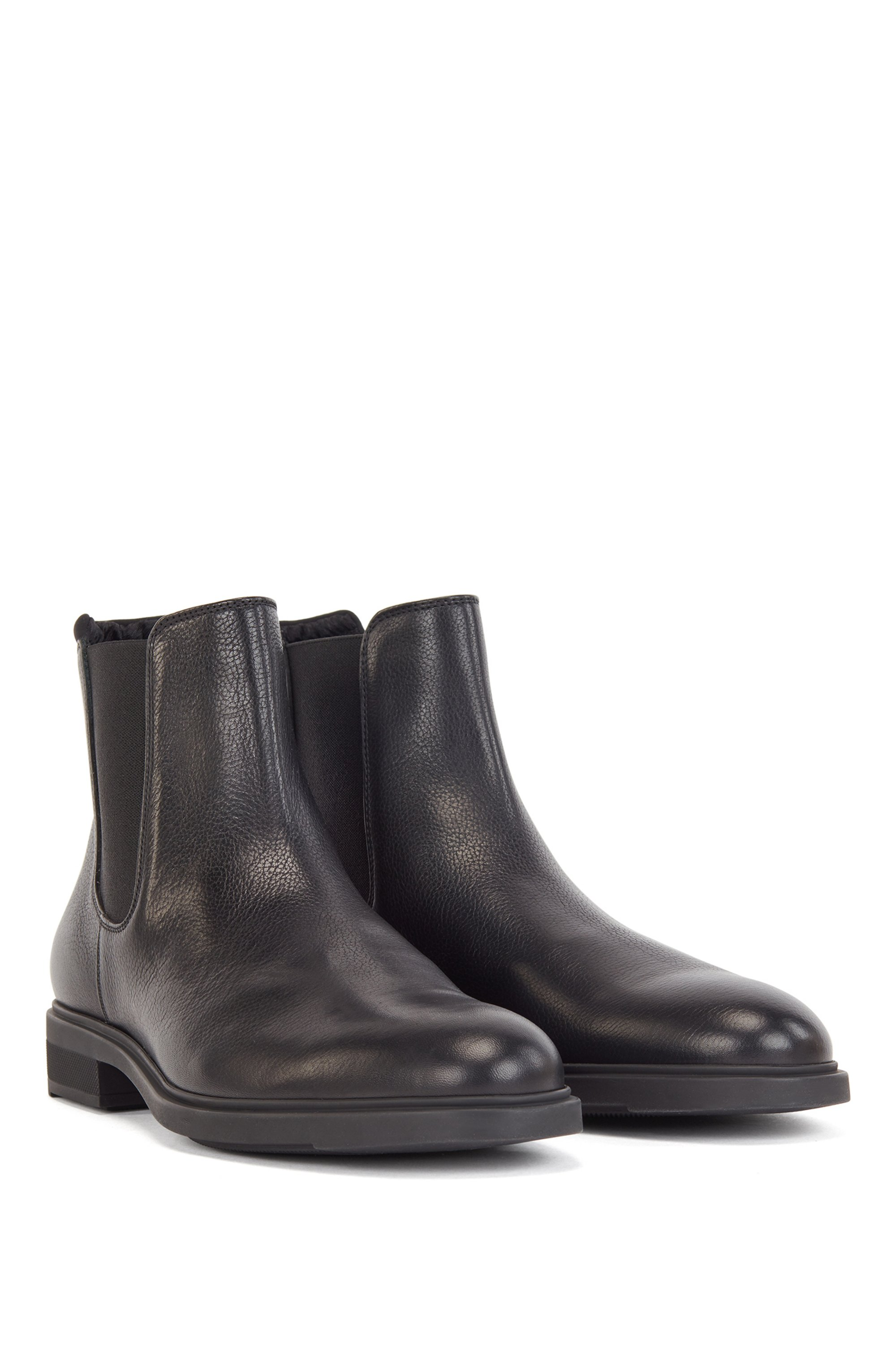 Italian-made Chelsea boots in leather with Outlast® lining