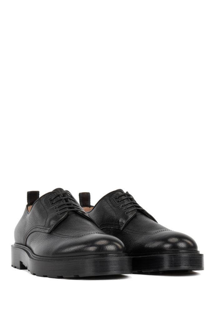 Chaussures derby en cuir foulonné confectionnées en Italie, au contrefort en gomme