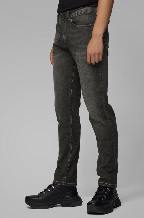 Tapered-Fit Jeans aus Super-Stretch-Denim, Dunkelgrau