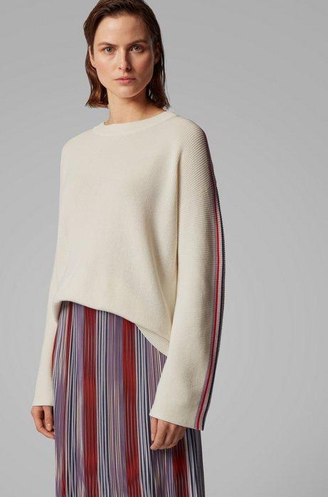 Relaxed-fit trui van een katoenmix met gestreepte mouwen, Naturel