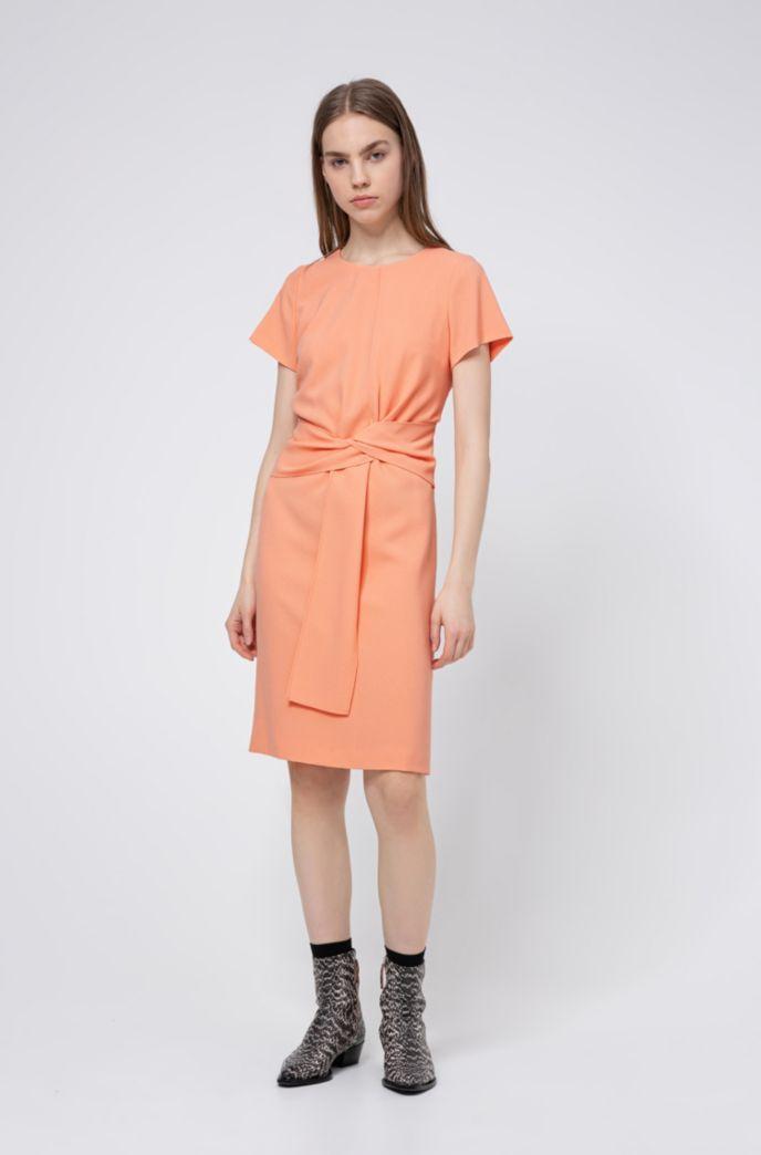 Kurzarm-Kleid aus Krepp mit Bindegürtel