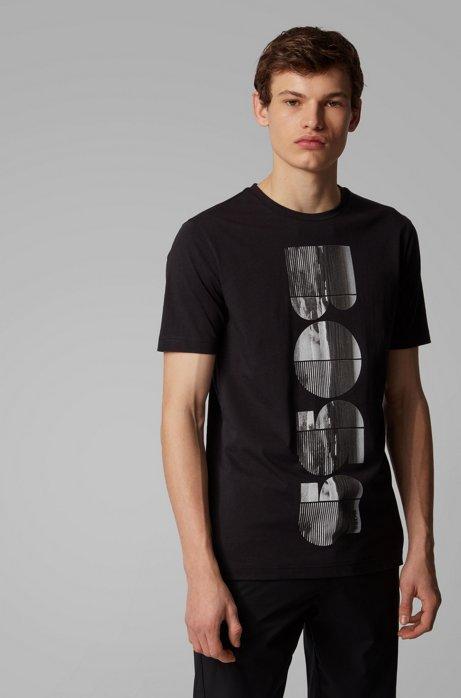T-Shirt aus Bionic Jersey mit Rundhalsausschnitt und fotografischem Logo-Artwork, Schwarz