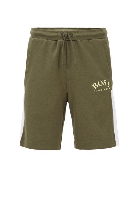 Slim-Fit Shorts aus Jersey mit Kontrast-Details und geschwungenem Logo, Dunkelgrün